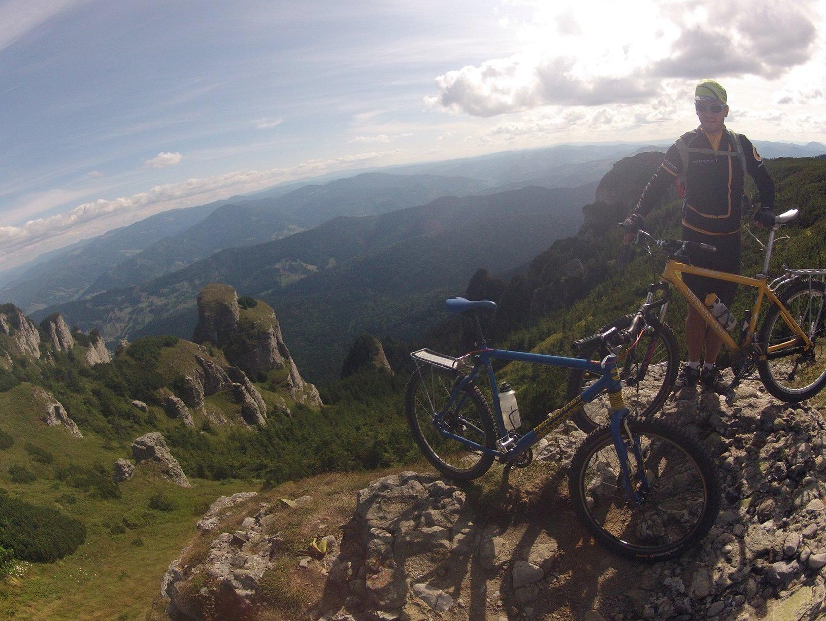 """Despre """"Aventuri pe bicicletă"""" și traseele filmate"""