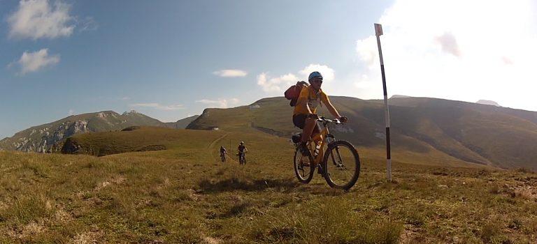 Aventuri pe bicicleta : Traversarea Bucegilor pe bicicleta