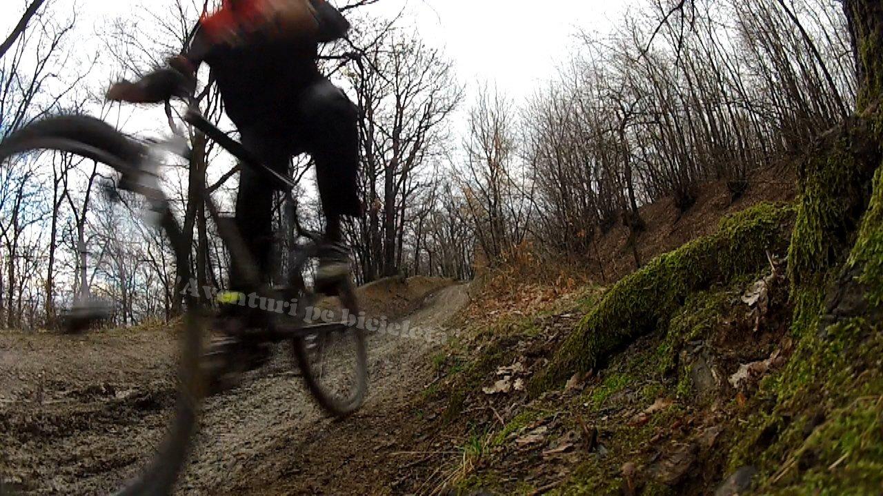 Aventuri pe bicicleta – Cauciucuri si frane noi testate pe noroi