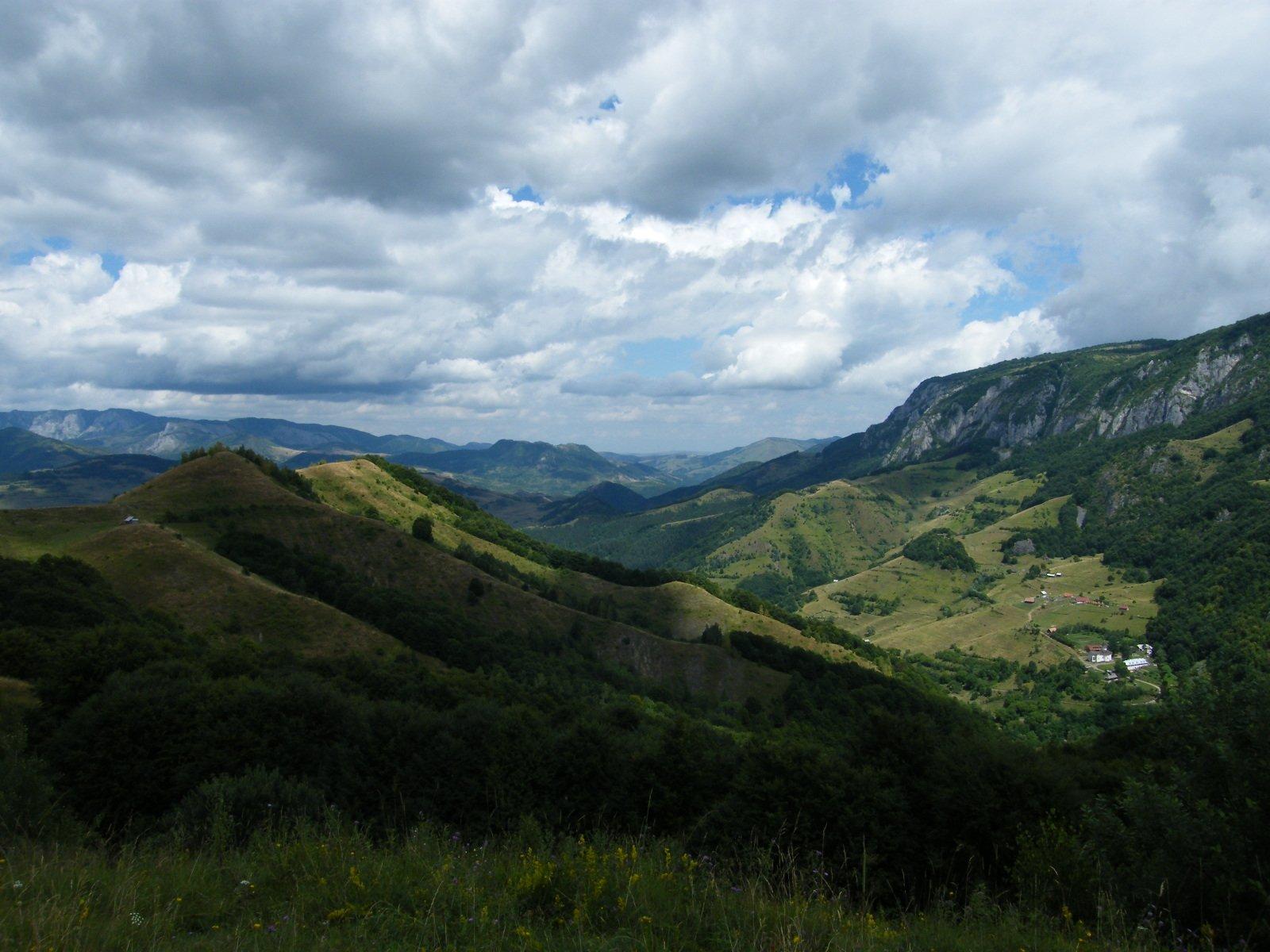 Undeva in muntii apuseni - sursa imagine totb.ro