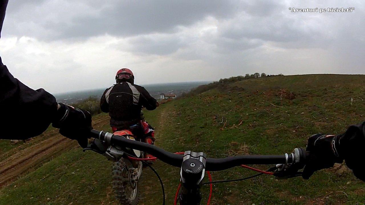 Aventuri pe bicicleta Coborari de la cetate - Downhill Arad, Siria, Romania